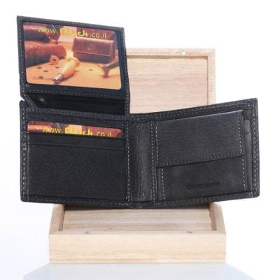 Our best back in stock at amazing price and wooden packing 90412 A small leather wallet for a man A luxurious gift box