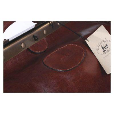תיק נסיעות רופא / דוקטור רטרו מהמם ביופיו מעור איכותי ביותר, התיק והעור מיוצרים באיטליה – דגם 032