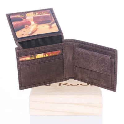 90413 A small leather wallet for man